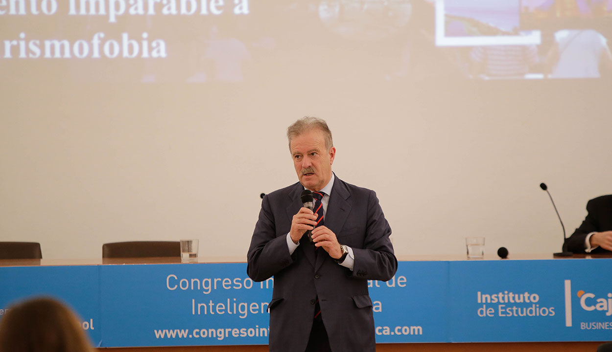 Manuel Campo Vidal, presidente de Next International Business School